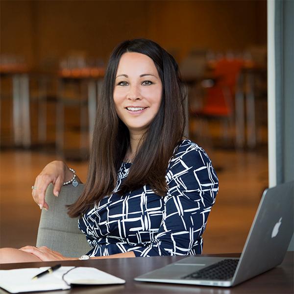 Portraitfoto von Prof. Dr. Yasmin Mei-Yee Weiss