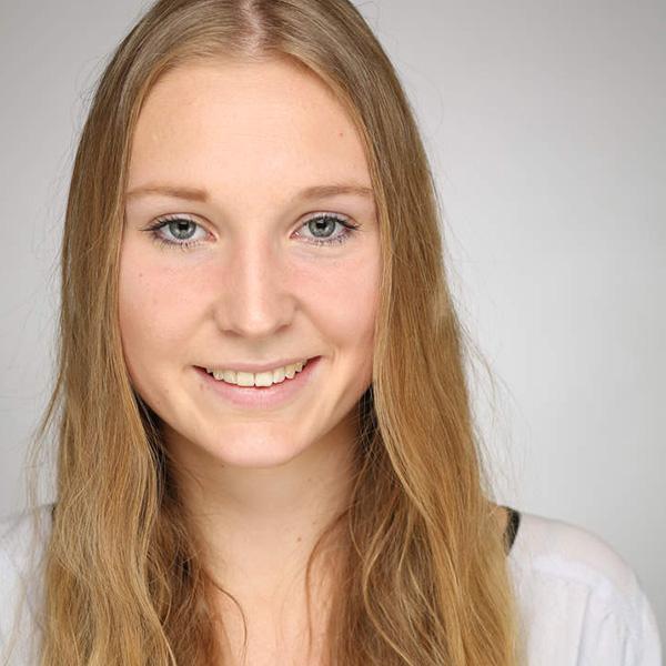 Portraitfoto von Ellena Rüb
