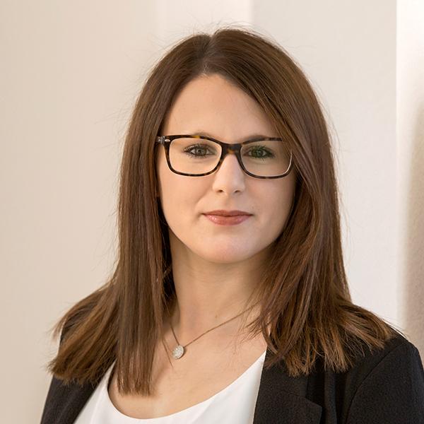 Portraitfoto von Eva Diepold