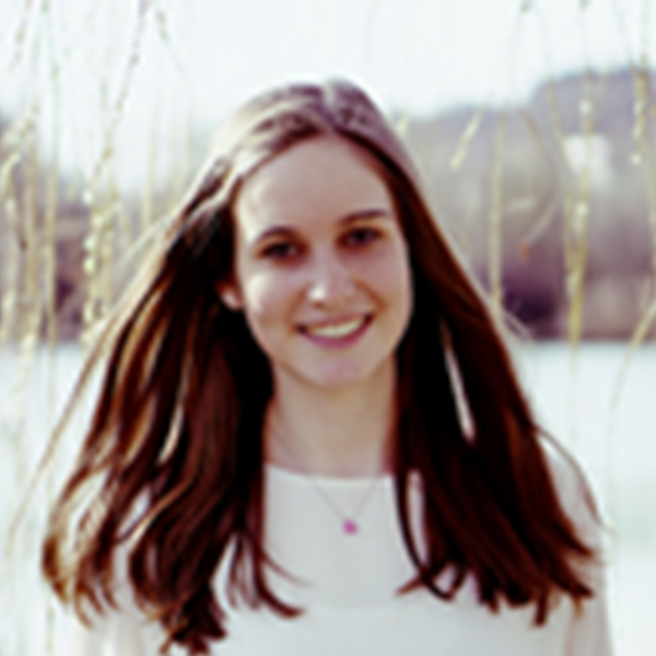 Portraitfoto von Alina Kuhn