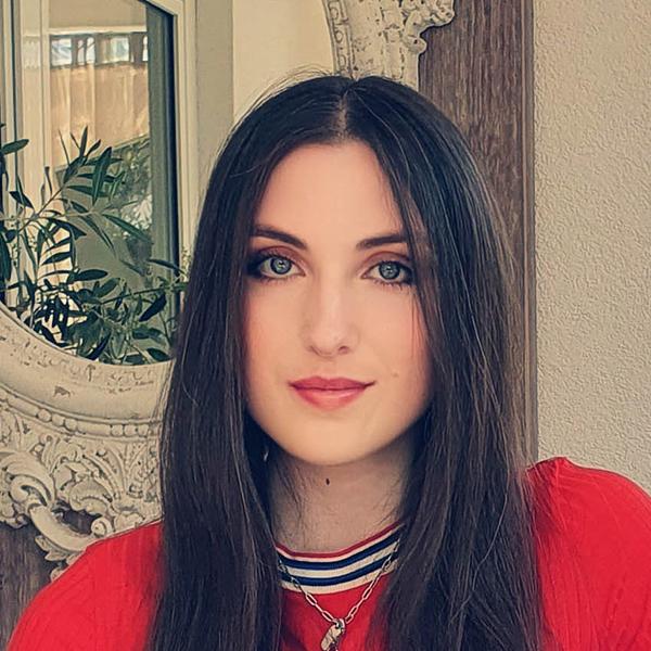 Portraitfoto von Angelina Scheler