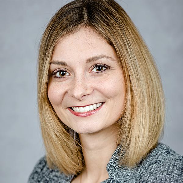 Portraitfoto von Elisabeth Goger