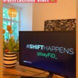 """Screenshot eine Instagram-Story mit dem Bild eines Computer-Monitors, der eine Präsentation mit dem Titel """"#shifthappens @bayfid_"""" zeigt. Darüber der Text """"Heute findet unser virtueller BayFiD Workshop in Kooperation mit @shiftschool statt"""""""
