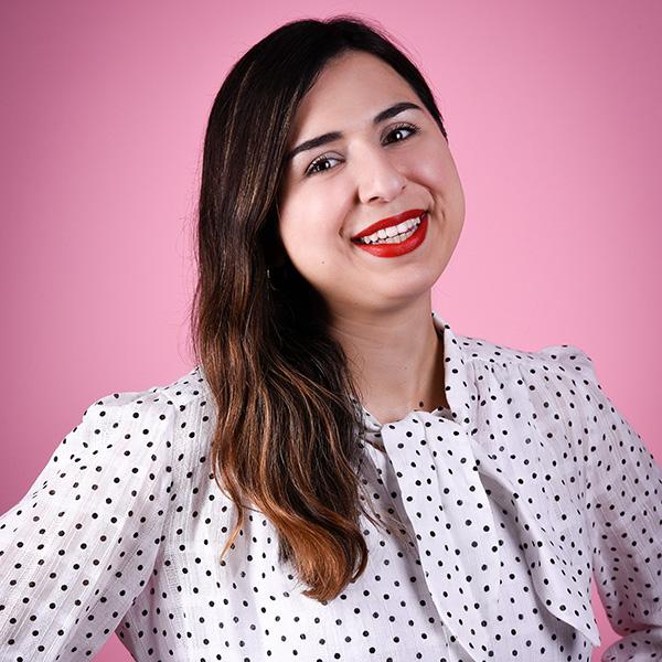 Portraitfoto von Mina Saidze