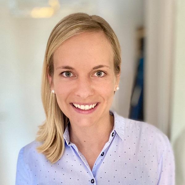 Portraitfoto von Julia Löw
