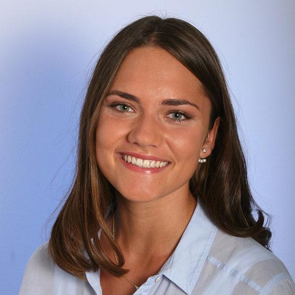 Portraitfoto von Theresa Steinlein